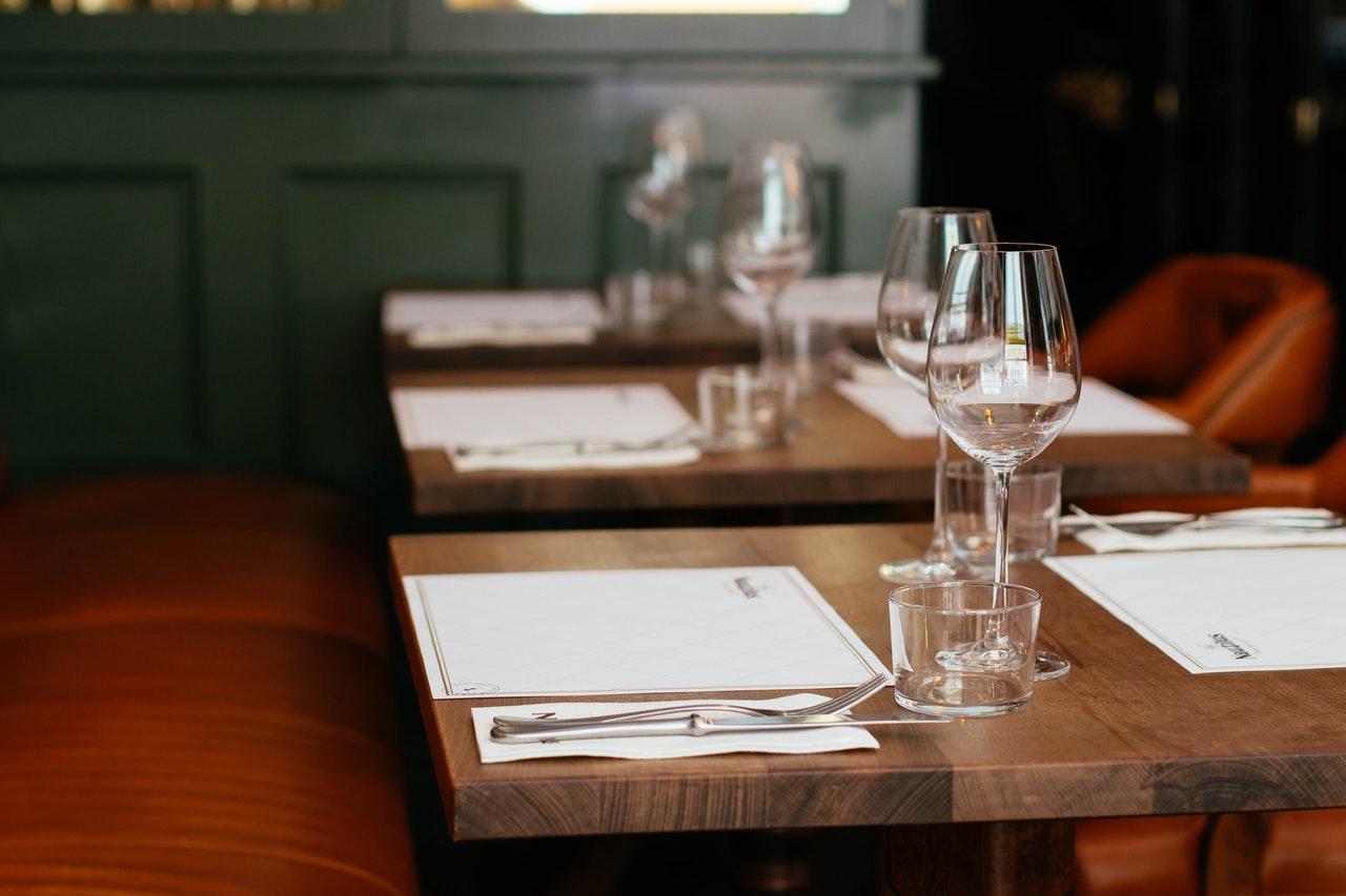 Comment utiliser des chèques vacances restaurant ou hôtel ?
